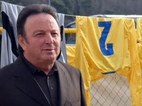 Direktor fudbalskog kluba Mogren Boro Lazović dobro je poznat u Budvi kao uticajan lokalni biznismen i vođa budvanskog ogranka vladajuće DPS. On je Darku Šariću poklonio zemljište kluba.  (Foto: Vijesti)